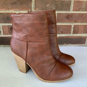 SO brown heel ankle boots faux leather